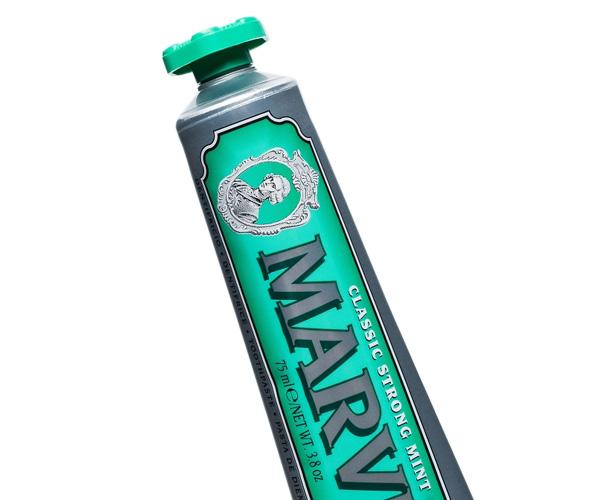 Зубная паста Classic Strong Mint 75ml